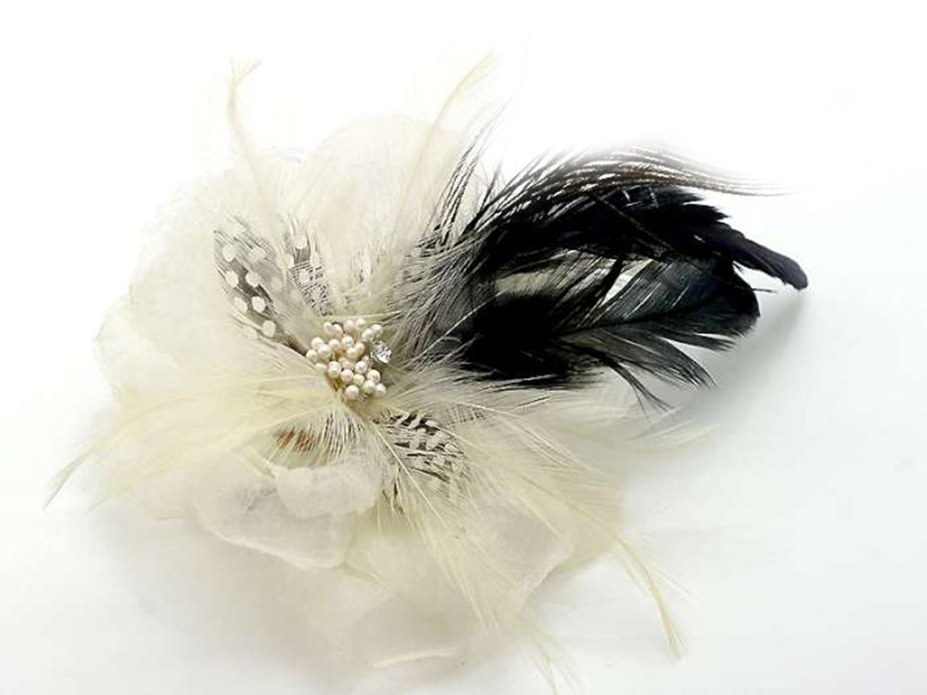 Bc9015 Beautiful White Fabric Flower And Feather Hair Clip Brooch